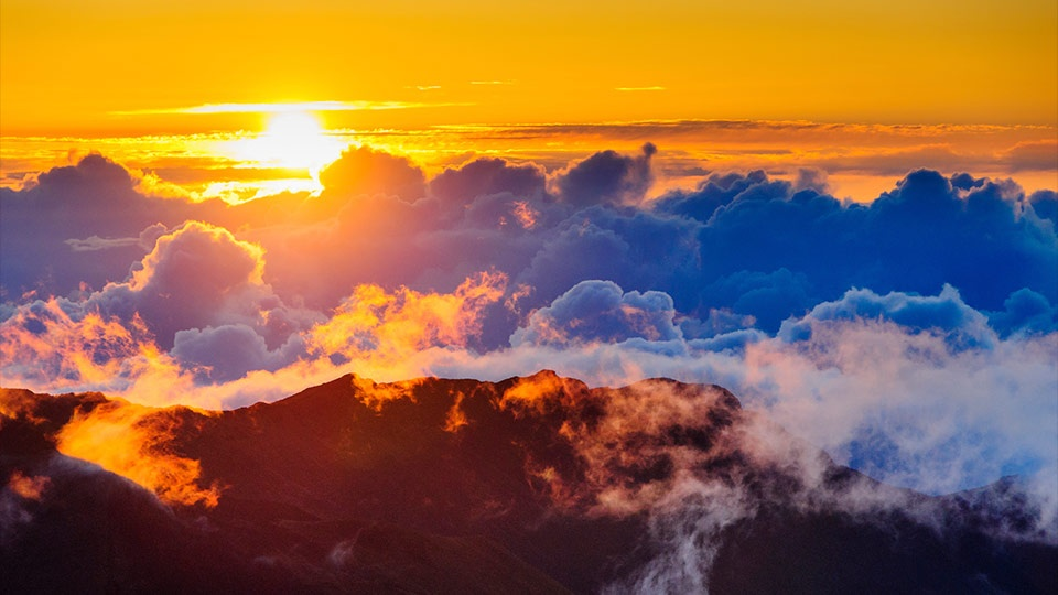 Best Maui Activities Couples Haleakala Sunrise