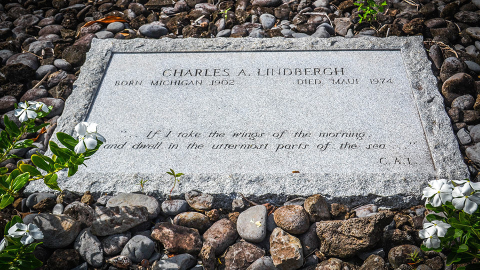 Best Maui Activities Charles Lindberghs Grave