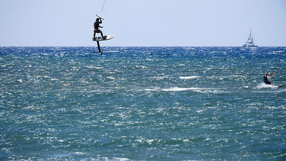 Best Maui Ocean Activities Kitesurfing