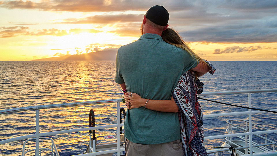 Best Maui Sunset Luau Couples