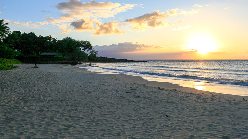 Sunrise at Mauna Kea Beach