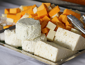 Plate of cheese and crackers.