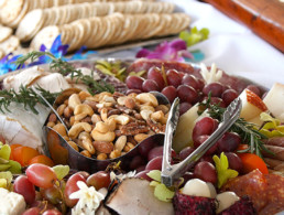 Best Maui Hawaii Tour Lunch Grapes Cashews Crackers